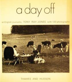 a day off an English Journal by TONY RAY-JONES トニー・レイ=ジョーンズ