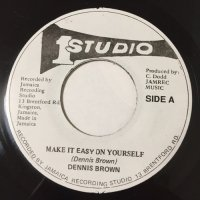 DENNIS BROWN / MAKE IT EASY ON YOURSELF