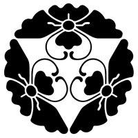 家紋 三つ寄せ唐花菱蝶