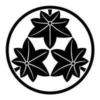 家紋 丸に頭合わせ三つ紅葉