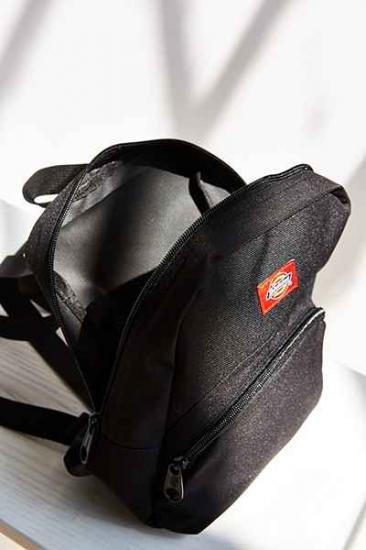 0545319446 Dickies X UO Mini Backpack. アーバンアウトフィッターズ《UrbanOutfitters》  NYで展開されているブランドです。コンテンポラリーアートや音楽などに興味を持つ都会 ...