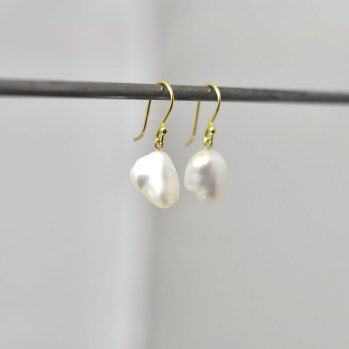 SOURCE objects | Large Keshi Pearl Hanging Earrings