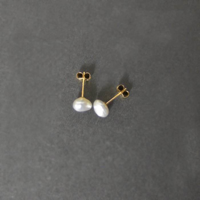 SOURCE objects | Medium Keshi Pearl Post Earrings