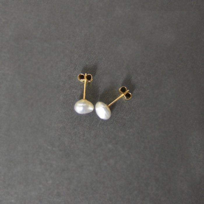 SOURCE objects | Small Keshi Pearl Post Earrings