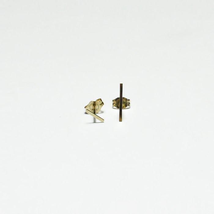 Kathleen Whitaker | Staple Earring | Short