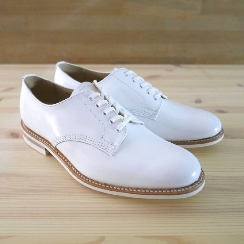 <img class='new_mark_img1' src='https://img.shop-pro.jp/img/new/icons20.gif' style='border:none;display:inline;margin:0px;padding:0px;width:auto;' />White Officer Shoe
