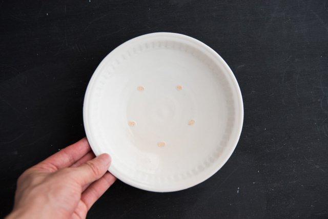 白磁しのぎ 6寸皿 境知子