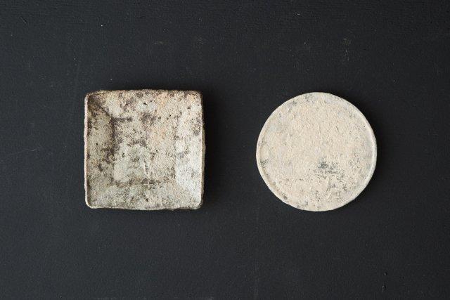 化粧型打ち角豆皿・化粧丸板(小) 境知子