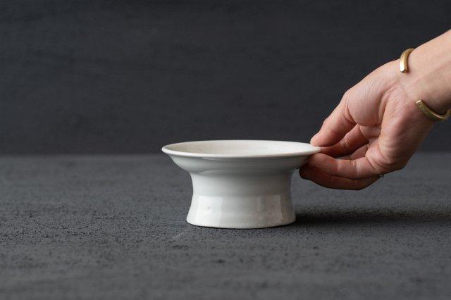 白磁 台小皿 境知子