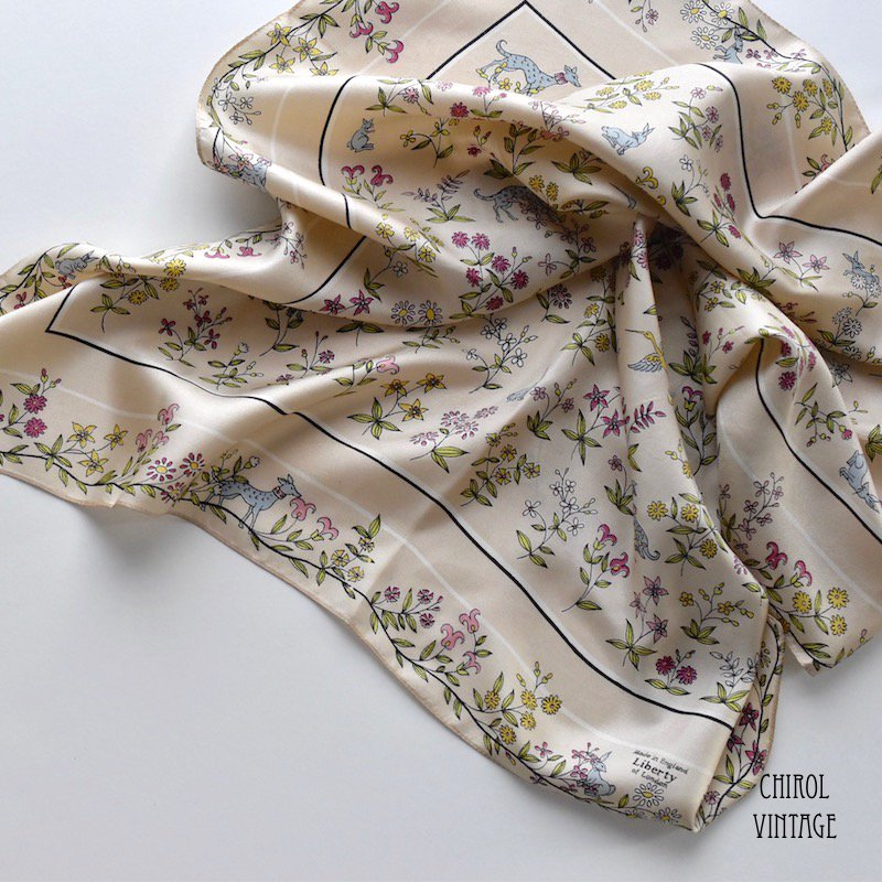 Liberty リバティ ベージュ ワイルドライフスカーフ