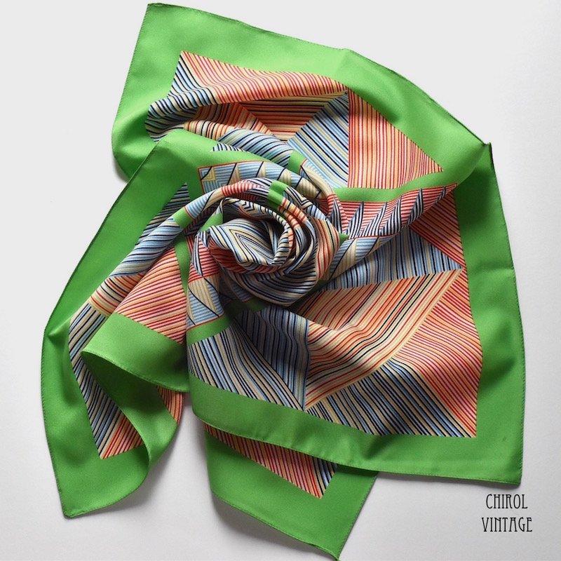 ライムグリーン カラフルジオメトリックパターンスカーフ