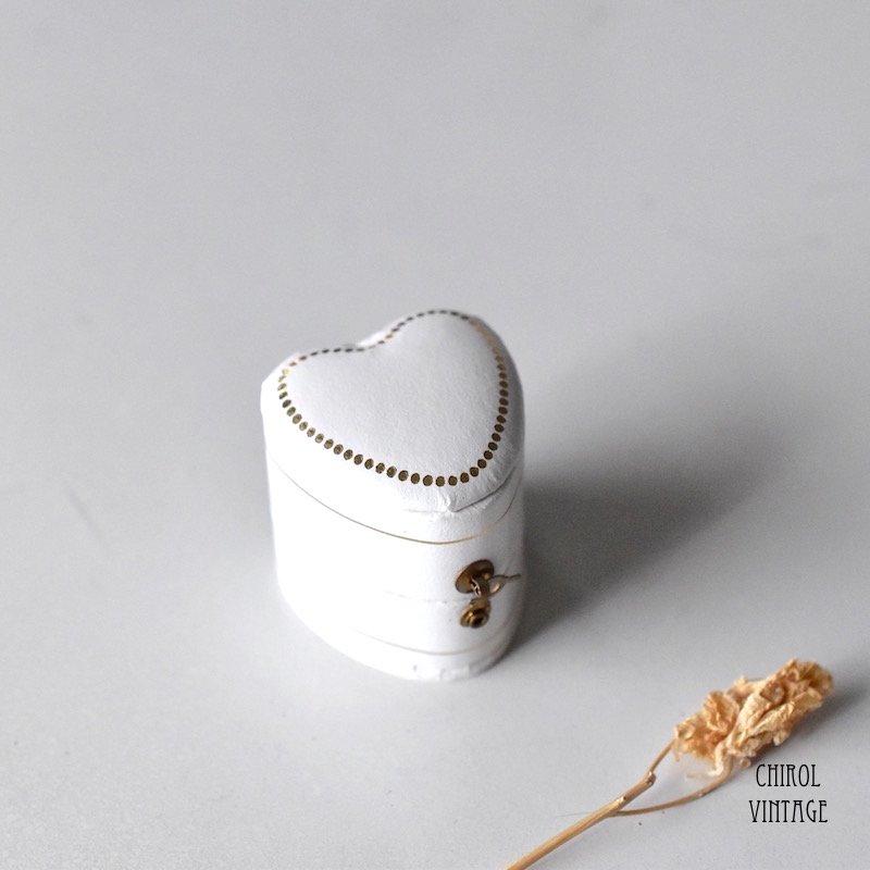 アンティークスタイル リングケース(heart/white)