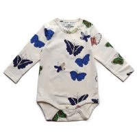 Mini Rodini (ミニロディーニ) バタフライ柄 ロンパース オフホワイト (Butterflies Romper Off White)<img class='new_mark_img2' src='//img.shop-pro.jp/img/new/icons5.gif' style='border:none;display:inline;margin:0px;padding:0px;width:auto;' />