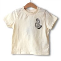 Mini Rodini(ミニロディーニ)タイガーオーガニックコットンT オフホワイト(Tiger Organic Cotton Tee OffWhite)<img class='new_mark_img2' src='https://img.shop-pro.jp/img/new/icons5.gif' style='border:none;display:inline;margin:0px;padding:0px;width:auto;' />