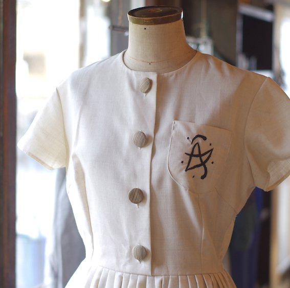 <img class='new_mark_img1' src='//img.shop-pro.jp/img/new/icons14.gif' style='border:none;display:inline;margin:0px;padding:0px;width:auto;' />vintage white dress / TERGAL