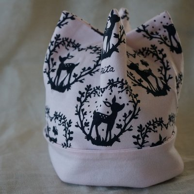 [ninita]角帽子(ピンク地ハートバンビ柄)