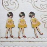 フランス 木製ボタン3個セット【黄色いワンピースの女の子】ウッドボタン