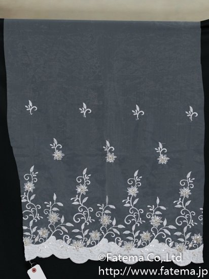 刺繍オーガンジー生地(スパンコール・ビーズ付き) 10-05113-52