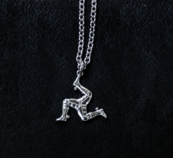 【Harold's Gear】 Triskele Pendant top (Silver925) + Chain