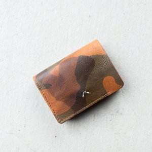 <img class='new_mark_img1' src='https://img.shop-pro.jp/img/new/icons8.gif' style='border:none;display:inline;margin:0px;padding:0px;width:auto;' />STRETICA 「U.M WALLET CAMO - ミドルミニウォレット」