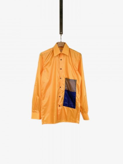 <img class='new_mark_img1' src='https://img.shop-pro.jp/img/new/icons19.gif' style='border:none;display:inline;margin:0px;padding:0px;width:auto;' />Long Sleeves Shirt With Two Front Pockets