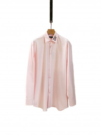 Big fit shirt with embridery on collar
