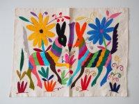 メキシコ オトミ族刺繍クロス【ランチョンマットサイズ2】