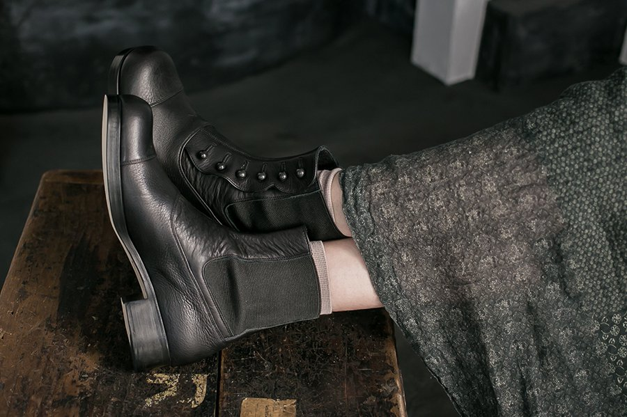 <img class='new_mark_img1' src='//img.shop-pro.jp/img/new/icons52.gif' style='border:none;display:inline;margin:0px;padding:0px;width:auto;' />BEAUTIFUL SHOES BUTTONED SIDEGORE BOOTS