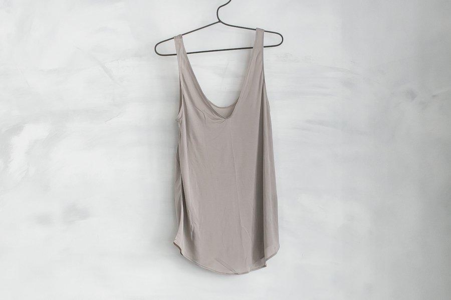 COCOONA skinwear キャミソール (VUネック) TAUPE