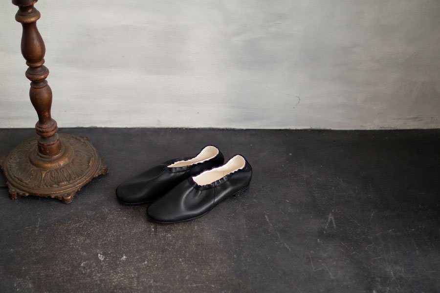 <img class='new_mark_img1' src='https://img.shop-pro.jp/img/new/icons52.gif' style='border:none;display:inline;margin:0px;padding:0px;width:auto;' />BEAUTIFUL SHOES BALLET SHOES