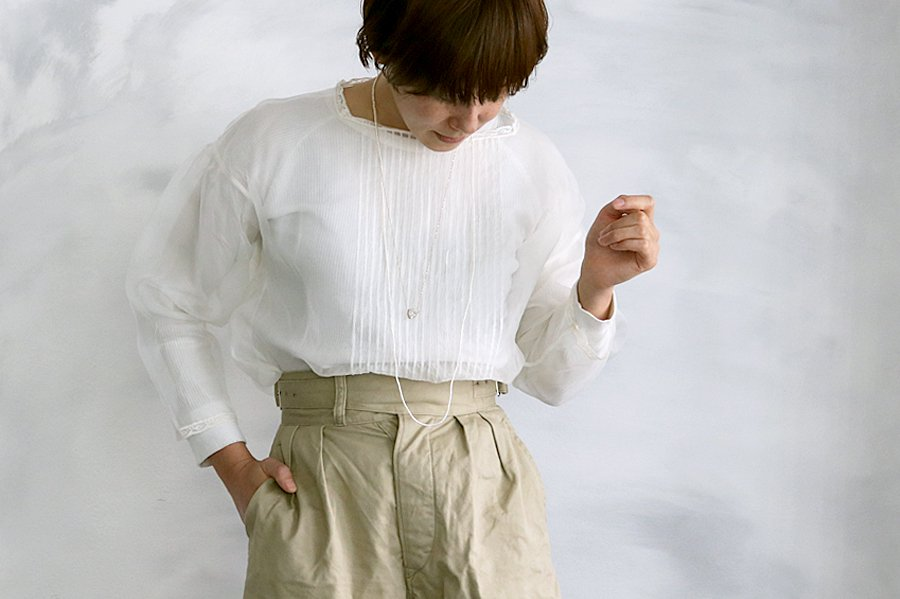 TOWAVASE 「Coquille」ブラウス WHITE