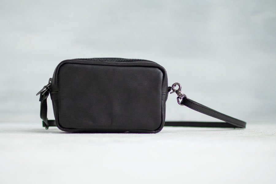 <img class='new_mark_img1' src='https://img.shop-pro.jp/img/new/icons52.gif' style='border:none;display:inline;margin:0px;padding:0px;width:auto;' />TACHINO CHIE RINGING POUCH