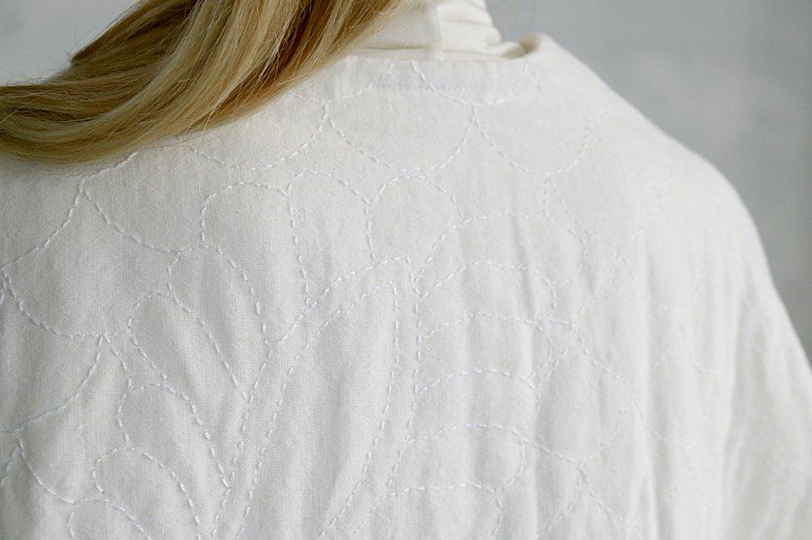 TOWAVASE  リネン刺繍キルトローブ WHITE