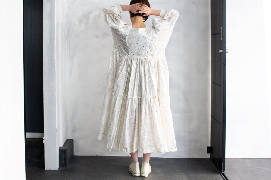 TOWAVASE 「Noix」ドレス WHITE×GOLD