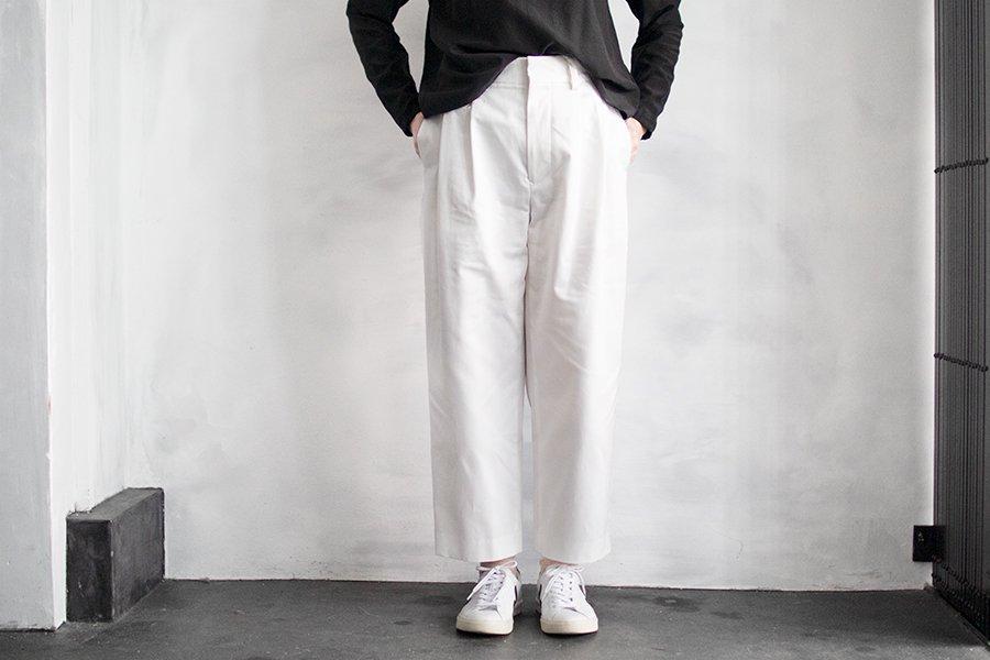 WIRROW タックパンツ WHITE