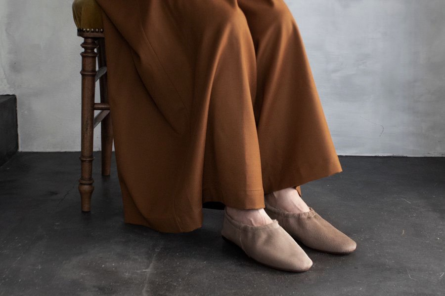 <img class='new_mark_img1' src='https://img.shop-pro.jp/img/new/icons1.gif' style='border:none;display:inline;margin:0px;padding:0px;width:auto;' />BEAUTIFUL SHOES BALLET SHOES  BEIGE HAIRCALF