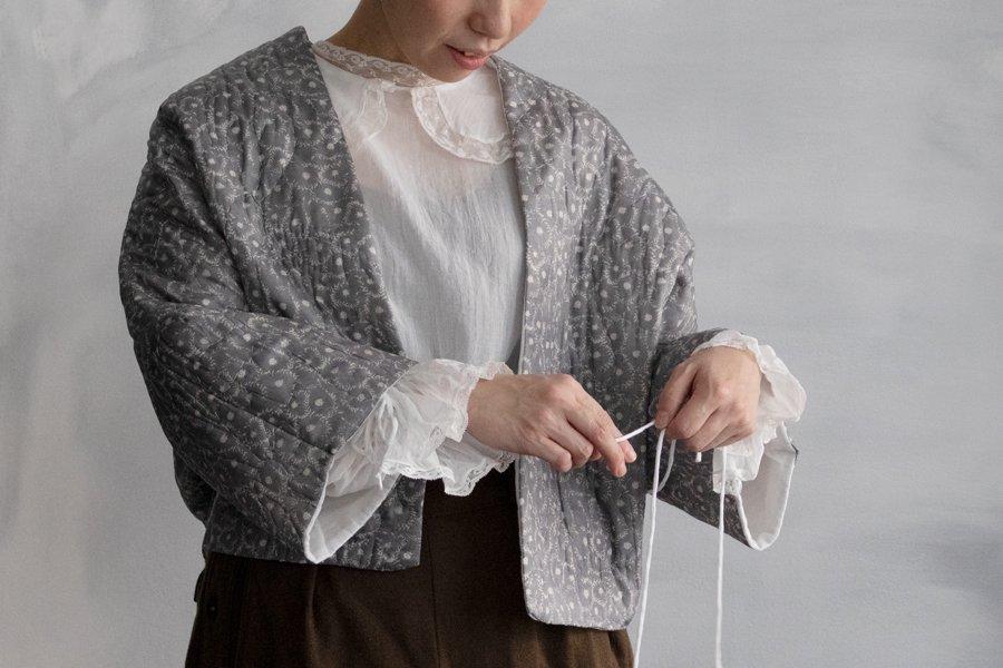 TOWAVASE 「Daisy quilt」TOWA ショートローブ DRAKGRAY BASE