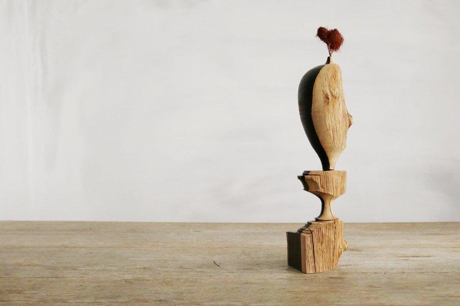 市川岳人 装飾台付き花器 (アフリカンブラック)