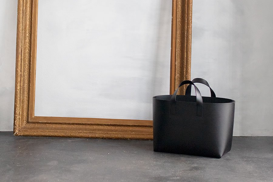 <img class='new_mark_img1' src='https://img.shop-pro.jp/img/new/icons1.gif' style='border:none;display:inline;margin:0px;padding:0px;width:auto;' />FOOT THE COACHER LEATHER TOTE S