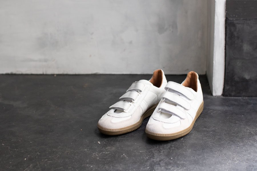 REPRODUCTION OF FOUND  GERMAN MILITARY TRAINER velcro WHITE