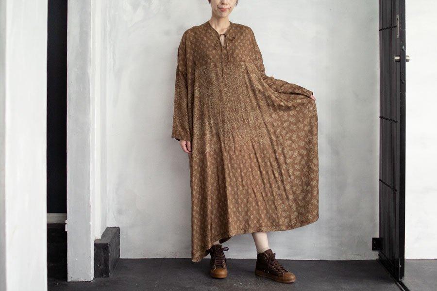 TOWAVASE 「Sarasa」ドレス CAMEL