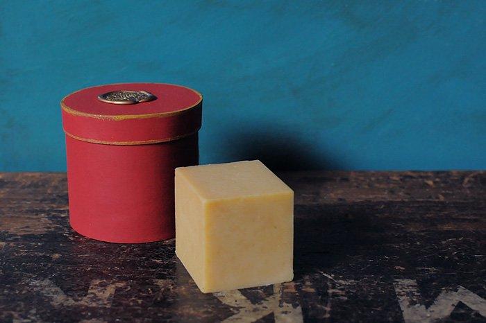MAVUNO WOODBOX入りORGANIC SOAP(HONEY)