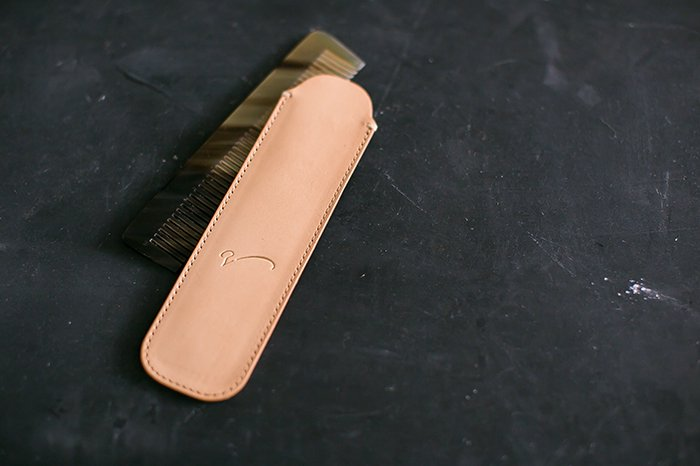 Leather comb case NATURAL