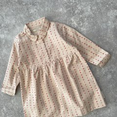 【SALE40%OFF】tinycottons alphabet soup woven dress beige/red タイニーコットンズ アルファベットプリント長袖ワンピース(ベージュ)