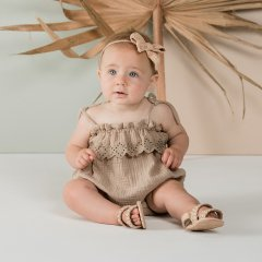 【SALE20%OFF】Rylee and Cru ruffle romper sand 肩紐ロンパース(サンド)