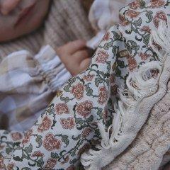 Garbo&Friends Floral Vine Filled Blanket ガルボアンドフレンズ 中綿入りブランケット(フローラル)