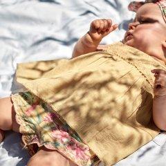 Louise Misha Baby Dress Paolina Soft Honey ルイーズミーシャ サイドリボン刺繍ノースリーブワンピース(ソフトハニー)