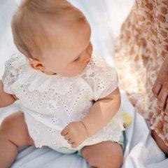 Louise Misha Baby Blouse Sandrine Off-White ルイーズミーシャ ピエロカラースカラップ刺繍半袖ブラウス(オフホワイト)