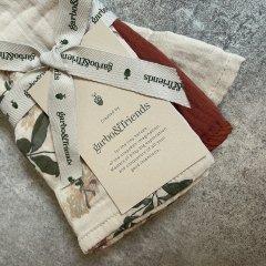 Garbo&Friends Honeysuckle Burp Cloths ガルボアンドフレンズ ガーゼクロス3枚セット(ハニーサックル)