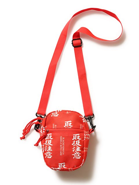 LABEL SHOULDER BAG